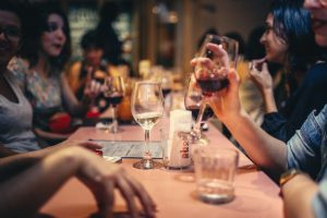 Millennials Lose Taste for Dining Out, Blamed for New Restaurant Trend