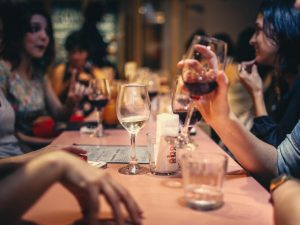 Millennials Lose Taste for Dining Out, Get Blamed for Puzzling Restaurant Trend